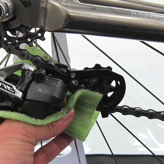 自転車びっくりクリーナー 水だけでも油汚れが落ちるピカピカクリーナー