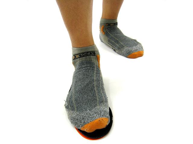 ITS-ウェッジ 4枚入り シューズインナーソールの下に取り付けるタイプの足裏の傾きを補正するインソール